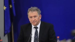 Стойчо Кацаров награди служители в Габрово за поставяне на ваксини