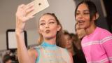 В бекстейджа на Седмицата на модата в Милано (СНИМКИ)