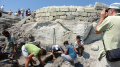 10 сгради от XIV-ти век откри Овчаров в Перперикон