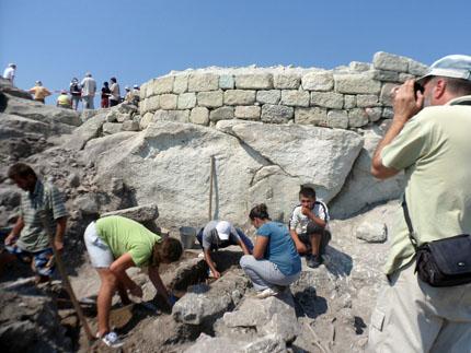 Над 1000 находки при тазгодишните разкопки на Перперикон