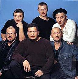 """Барабанистът на """"Любе"""" загина в катастрофа"""