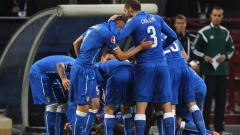 Колина към италианските национали: А това е топка...