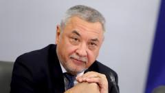 Валери Симеонов видя игра в един отбор на Радев с ГЕРБ
