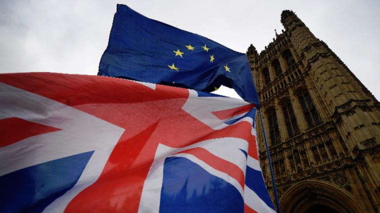 900 000 европейци все още не са подали документи за уседнал статут на Острова