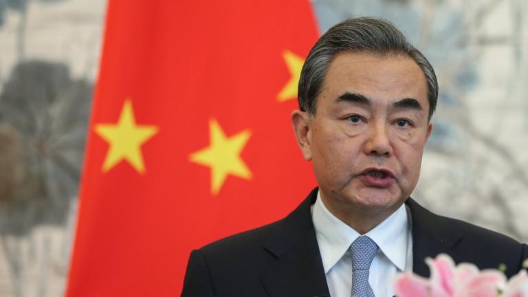 Китай настоява за намаляване на напрежението на Корейския полуостров