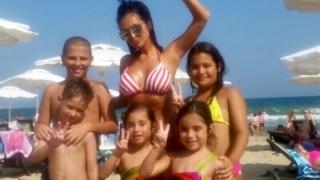 Преслава - с деца на море