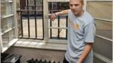 България освободи Майкъл Шийлдс