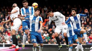 """Еспаньол затрудни Валенсия, трето поредно равенство за """"прилепите"""" в Ла Лига"""