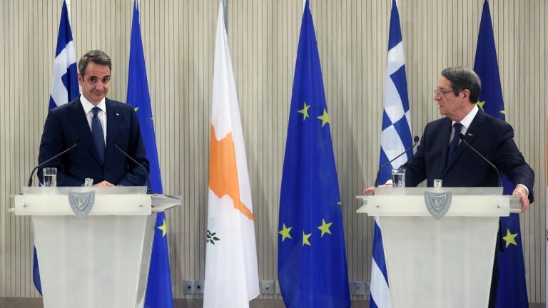 Мицотакис в Никозия: Няма да има решение с две държави за Кипър