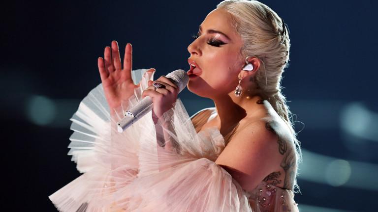 Лейди Гага на 32