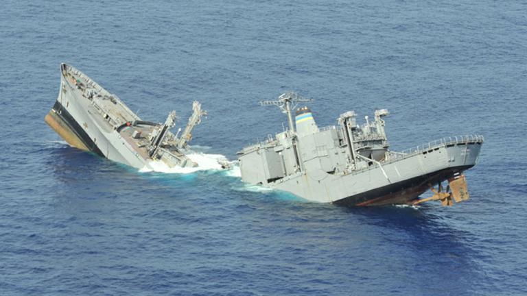 Най-малко 14 загинали при потъване на ферибот в Мианмар