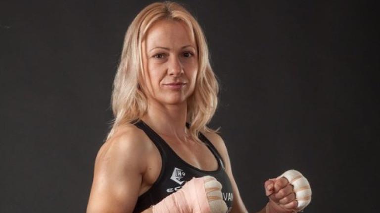 Нашумялата боксьорка Иванка Иванова - Лъвицата остана без съперничка за