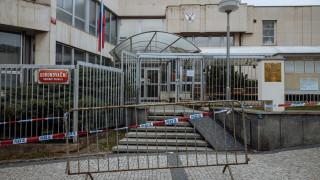 Чехия настоя Русия да остави само петима дипломати в посолството си