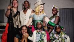 Мадона се снима с всичките си деца