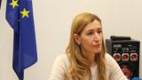 Ангелкова не изключва фалити на туроператори