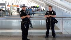 """Фалшив сигнал за стрелба евакуира два терминала на летище """"Джон Кенеди"""" в Ню Йорк"""