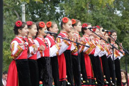 """В Бесарабия се провежда фестивалът """"Да трепне българско сърце!"""""""