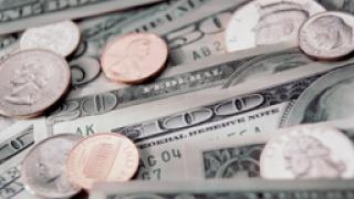 Дефицитът по текущата сметка на САЩ отново се разширява