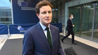 Франция предупреди, че може да върне комендатския час заради Covid
