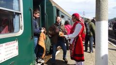 Десетки пристигнаха с теснолинейка в Якоруда