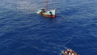 Двама рибари се удавиха, а трети успя да се спаси край нос Емине