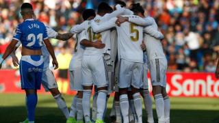 """Реал започна годината с класика, """"белите"""" поне временно на върха в Ла Лига"""