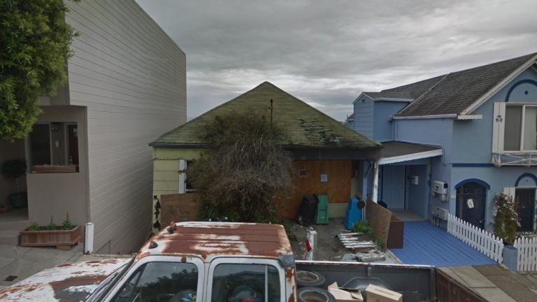 Изгоряла къща в Сан Франциско се продава за почти 800