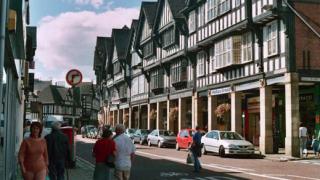 Продължава спадът в цената на къщите във Великобритания