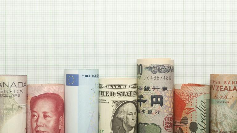 Валутният пазар без ясна посока, политиката е определящ фактор