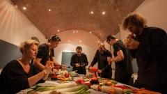 Оркестърът, в който се свири само на зеленчуци