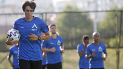 Атанас Курдов тренира с Левски
