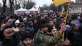 Пашинян готов за предсрочни избори, предизвиква опозицията