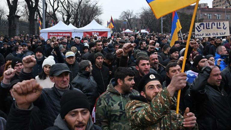 Премиерът на Армения , че е готов за предсрочни избори,