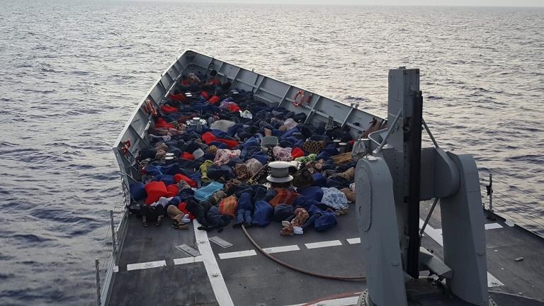 """Италия подозира роля на """"Ислямска държава"""" в мигрантския поток от Либия"""