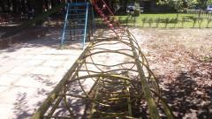 За опасна детска площадка във Варна сигнализират граждани