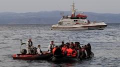 12 мигранти в неизвестност след корабокрушение край Либия