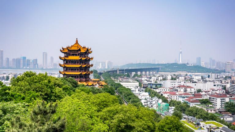Почти половината от публичните потребителски компании в Китай нямат достатъчно