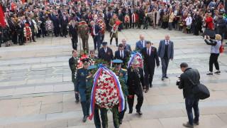 В десетки български градове шества Безсмъртният полк