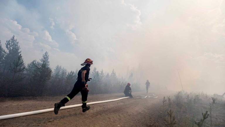 Огромен пожар заплашва баварски град