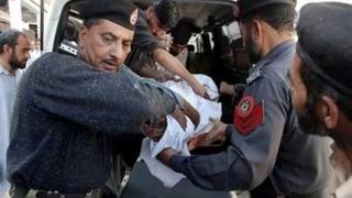 Терорист се взриви на стадион в Пакистан