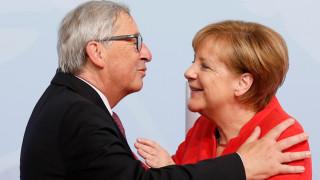 Юнкер: Меркел е като произведение на изкуството – постмодерно