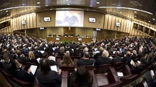 Папата се надява да промени ядрената парадигма: от сдържане към разоръжаване