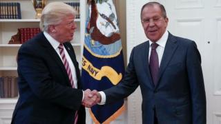 Москва разпространи първата снимка Лавров-Тръмп