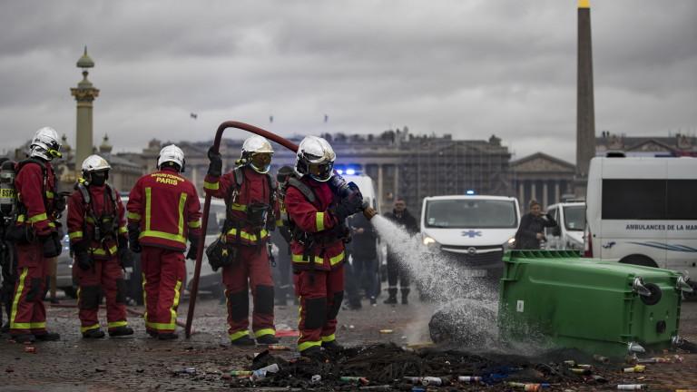 """Учениците се възползваха от """"жълтите жилетки"""" и засилиха протестите във Франция"""