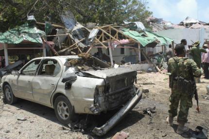 Серия експлозии убиха 15 в Сомалия