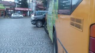 """Градски автобус се вряза в три коли в """"Драгалевци"""""""