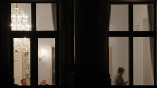 Разногласия за мигрантите ден преди края на проучвателните преговори за коалиция в Германия