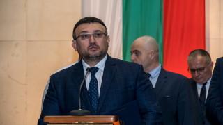 Младен Маринов уверява, че всички бензиностанции са проверени
