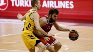Има сделка: Везенков подписа нов договор с Олимпиакос