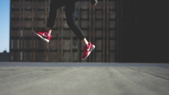 Слаби продажби удариха акциите на Nike
